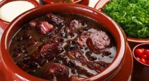 ALT = cucina tipica del Brasile, la feijoada