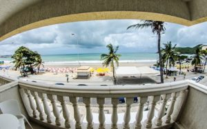 ALT = terrazza e piscina Kristie Resort Natal