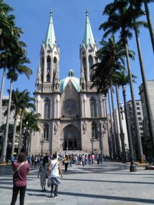ALT = Catedral Metropolitana di San Paolo, Brasile