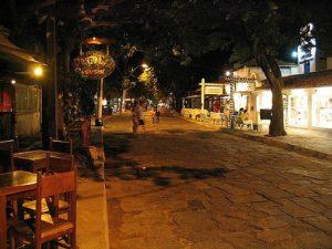 ALT = Buzios, Brasile, vita notturna e movida, Rua das Pedras